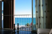 Parisian Bleu - Stunning 2 Bed with Sea View Terrace