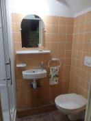Groundfloor shower & toilet