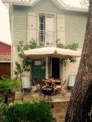 Les Hauts du Golf house and terrace garden