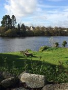 Picnic area & lake 100m from the apartments