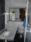 Ensuite bathrooom 3