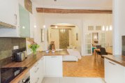 Citrine - Spacious, Bright Apt in the Heart of City