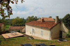 Beautiful Farmhouse Conversion close to Aubeterre