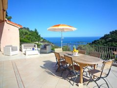 "Apartment ""Sun"" Sleeps 4,2 Bedrooms,Sea View & Pool"