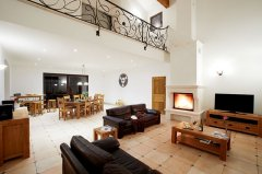 Luxury Large Villa within Walking Distance to Uzès