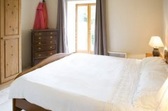 Master bedroom ensuite 2