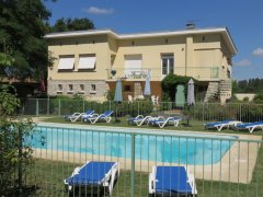 Poolside Apartment in Landscaped Garden with Fishing, Lot-et-Garonne, Nouvelle-Aquitaine