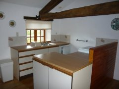 Charming Self Contained 2 Bed Cottage with Pool