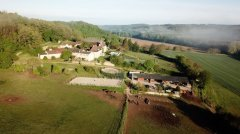 Farmhouse on Domain with horse facilities