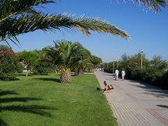 Promenade at Argeles - in December..!