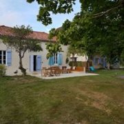 Charming 2 Bedroom Gite near Périgueux