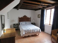 Large double bedroom in gîte D'Artagnan