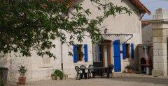 La Charente - front view