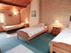 Bedroom 4 singles