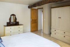 Master bedroom ensuite (king) 1