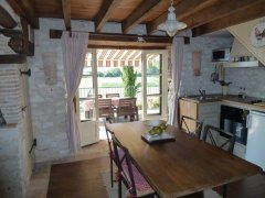 Stunning Cottage near Gaillac