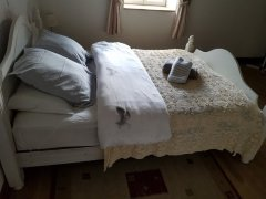Kingsize double bed room