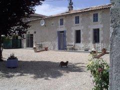 Chez Augros - Comfortable, Renovated Gîte