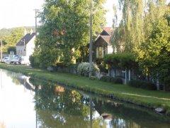 Delightful Canal/Riverside Chalet in Rural Setting