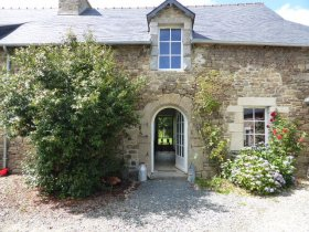 Unfurnished Semi-Detached House to Rent in Brittany, Côtes-d'Armor, Bretagne