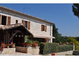 Stunning House with Panaramic Views, over Vineyards, Tarn, Occitanie