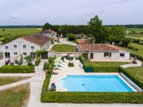 Le Marronnier - Luxury Detached Gîte, Charente-Maritime, Nouvelle-Aquitaine