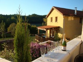 Recently Renovated Heated Cottage, Enclosed Garden, Lot, Occitanie
