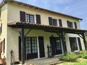 Large Family Home in Pretty Village, Charente, Nouvelle-Aquitaine