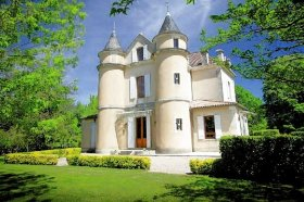 Superb Opportunity to Rent this Stunning Château, Lot-et-Garonne, Nouvelle-Aquitaine
