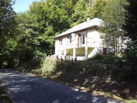 Chalet Style House On Outskirts Of Pretty Village, Corrèze, Nouvelle-Aquitaine