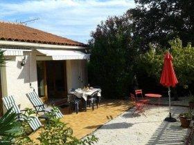 Villa with Garden in Quiet Location, Mountain Views, Pyrénées-Orientales, Occitanie