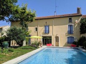 Stunning Provencal House in Centre of Lively Village, Bouches-du-Rhône, Provence-Alpes-Côte d'Azur