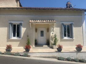 Peaceful Village House with Garden & Glorious Views, Tarn-et-Garonne, Occitanie