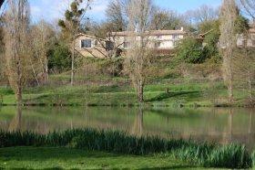 Unique Lakeside Lodge, Deux-Sèvres, Nouvelle-Aquitaine