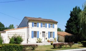 Stunning Lock Keeper's Cottage, Charente, Nouvelle-Aquitaine