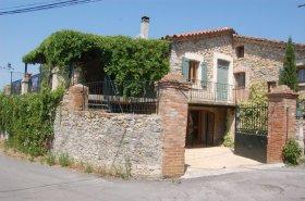 Beautiful Restored Farmhouse, Pool, Peaceful Hamlet, Gard, Occitanie