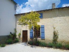 2 Bedroom House to let Chef Boutonne, Deux-Sèvres, Nouvelle-Aquitaine