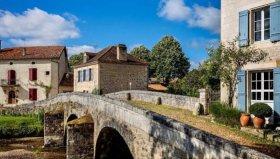 Riverside Property in Beautiful Dordogne Village, Dordogne, Nouvelle-Aquitaine