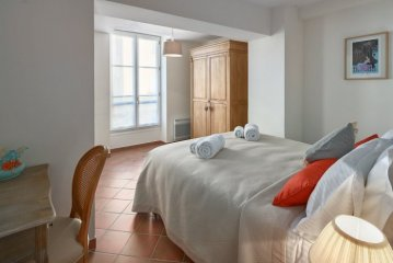 Double bedroom with comfy king size bed