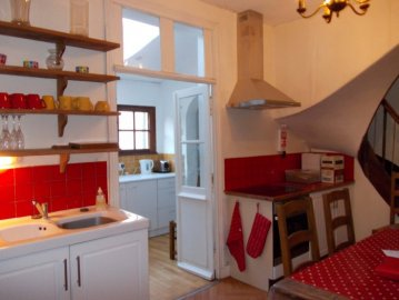 Cooking & dining area