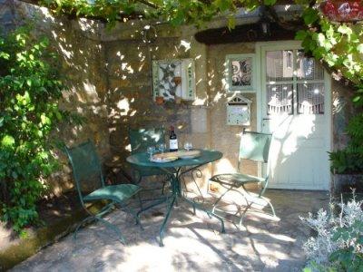 Sheltered Terrace & BBQ for alfresco eating