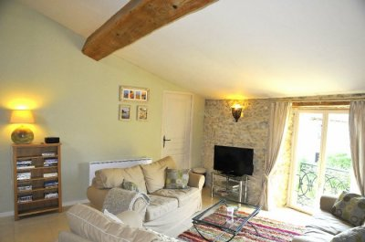 Sunny vaulted room with heating & woodburner