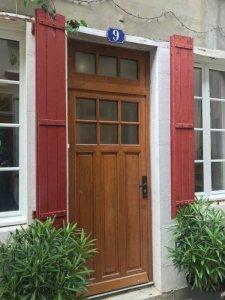 Front door on to pedestrian only street