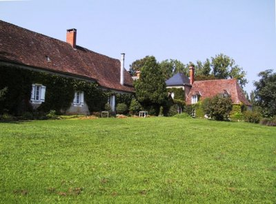 Gatehouse and Farmhouse at Domaine de Tabary