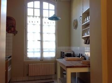 Kitchen with views towards St. Sernin church