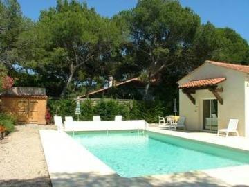 Villa Na Mara with pool