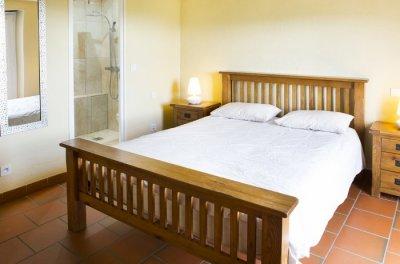 Master bedrooms (king) ensuite