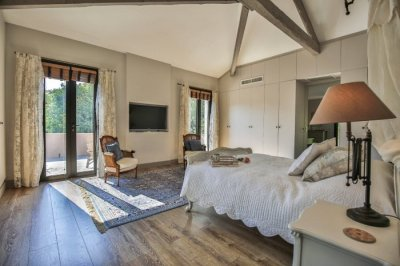 Huge main bedroom suite with private terrace