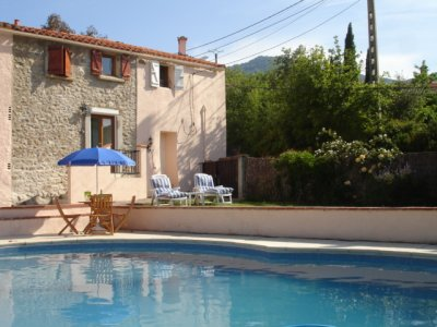 Cottage Canigou (right) and pool