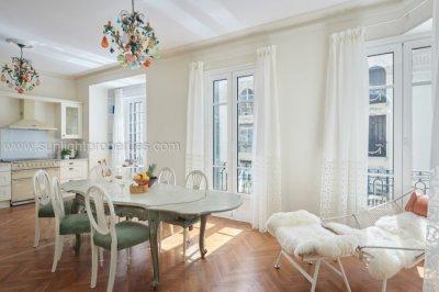 Bright kitchen - dining room